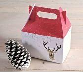 <p>Scatole picnic stampate con il disegno di un cervo molto natalizio…</p>