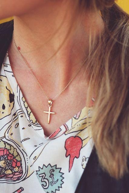 Koniec z noszeniem krzyża w pracy?