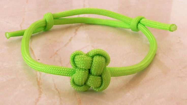 """How You Can Tie A Paracord """"Chinese Clover"""" Friendship Bracelet With Sli..."""