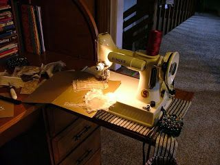 *With Heart and Hands* : Let Me Sew, Let Me Sew, Let Me Sew....