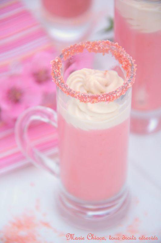 « Cappuccino » crémeux de fraises et ricotta,  Nuage de crème d'amande au miel Saines gourmandises