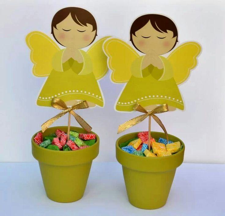 Centro de mesa o souvenirs con goma eva pinterest - Centro de mesa para comunion de nina ...