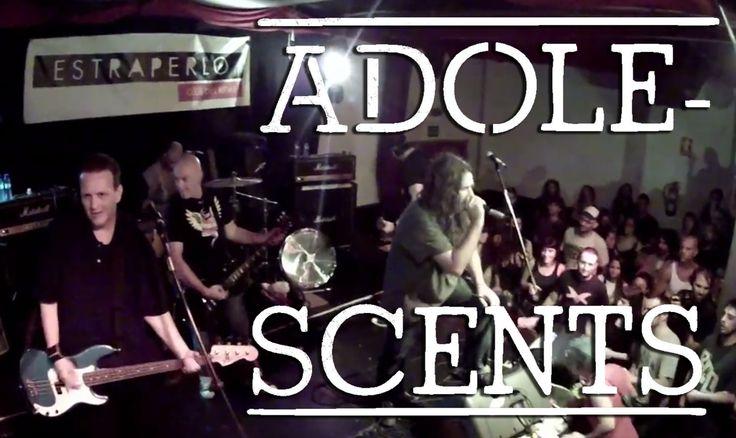 """Adolescents es un grupo de punk rock formado en 1980 en Fullerton, California. Con motivo de la presentación de su nuevo disco """"Presumed Insolent"""" y en el marco de la fiesta """"Skate and Fight"""" del 2012 esta banda tocó ante un público muy entregado en la mítica sala de Badalona Estraperlo (Club del Ritme)."""