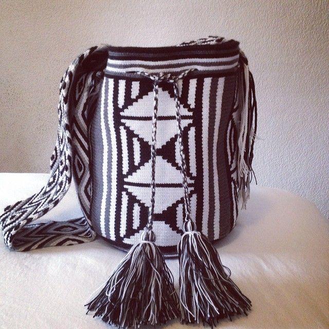 Black and white bag. Available.  Mochila blanco y negro. DIsponible.  #bolso#chic#amazing#wayuu #women#ibiza#ibiza2014#trendy  #trend#cute#love#look#girl#shop.  #shopping#boutique#girl#ladies  #beautiful#madrid#malaga#japon.  #invierno#winter#moda#wearable.