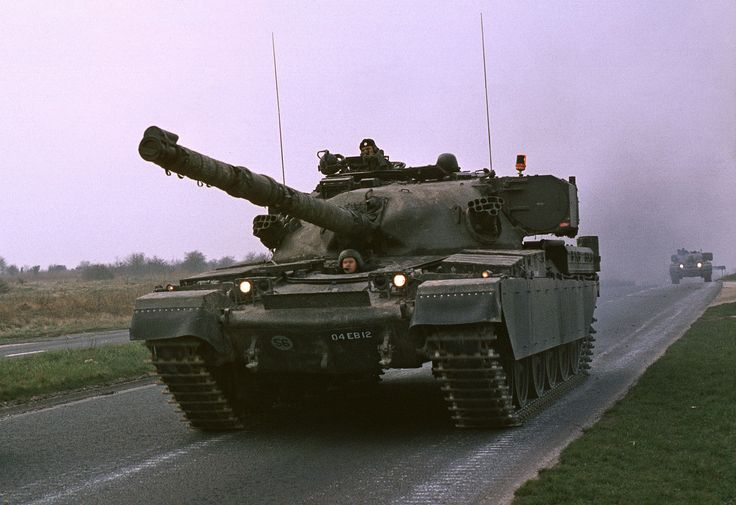 Title: Chieftain MBT 4 RTR Date: 1984 Location: Beacon Hill A303 SPTA Photographer: T.J. Neate