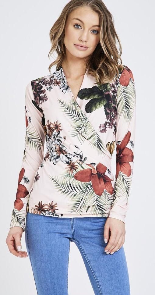 d79984e3e05d Pin by FTK Clothing on Boutique SS18 | Floral tops, Tops, Women