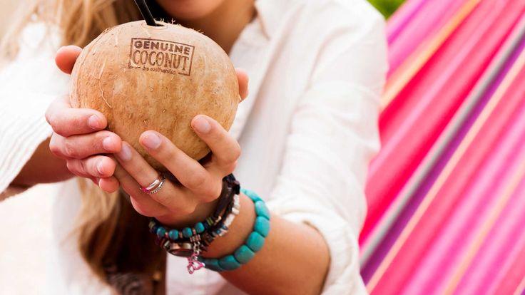 El #aguadecoco es una excelente bebida isotónica y energética. El agua de coco juega un papel fundamental en mantener el cuerpo hidratado durante la actividad física ya que es rica en potasio y otros minerales. Además tiene un balance de electrolitos similar al del plasma humano.