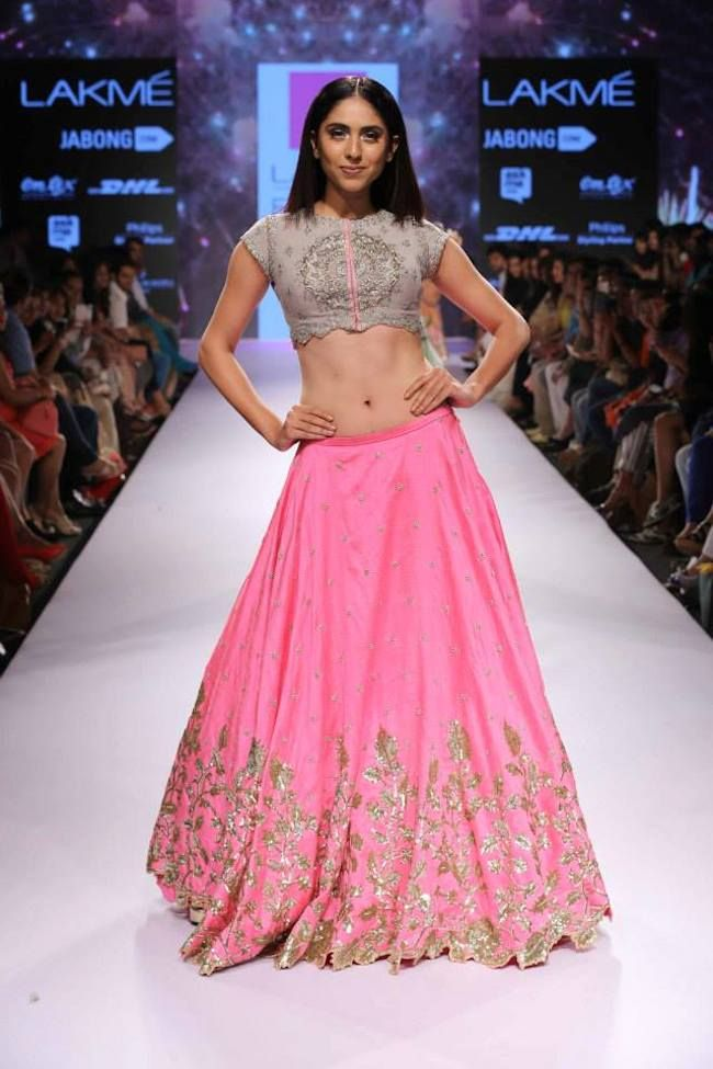 anushree-reddy-debuts-collection-lakme-fashion-week-summer-2015