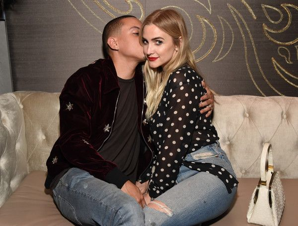 Ashlee Simpson Photos Photos - Actor Evan Ross (L) and singer Ashlee Simpson attend day one of TAO, Beauty + Essex, Avenue + Luchini LA Grand Opening on March 16, 2017 in Los Angeles, California. - TAO, Beauty & Essex, Avenue and Luchini LA Grand Opening - Day 1