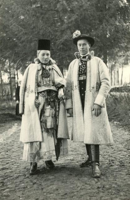 Erdelyi szaszok 1940 ben *Kiscsűr (románul Şura Mică, németül Kleinscheuern)