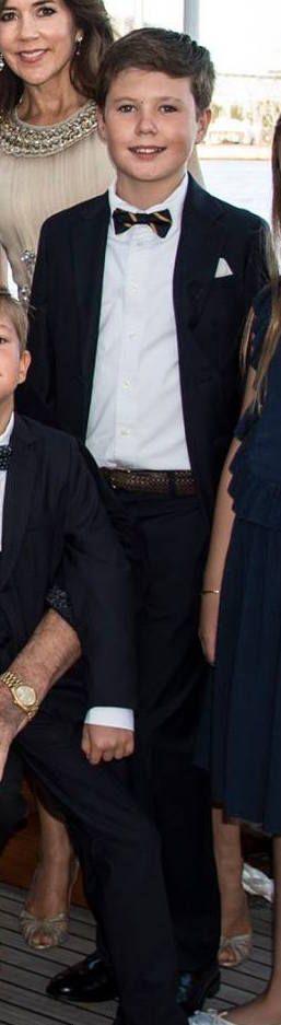 Prince Christian, 28 aout 2017, Photo officielle pour la fête d'anniversaire organisée à l'occasion des 18 ans du Prince Nikolai