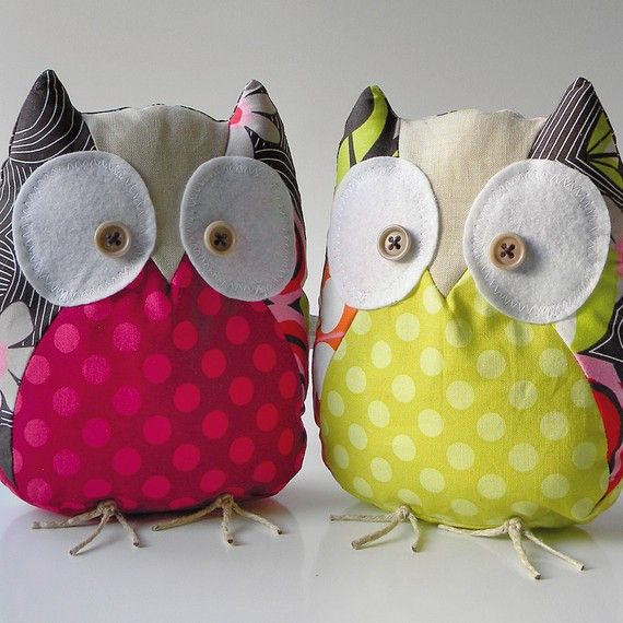 owl.... cute but i would make the little brown button for the eye to a big black button for the eye