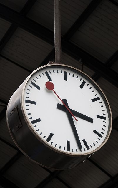 Mondaine Railway Station Clock - if you need the time quickly and simply, this is how you do it.