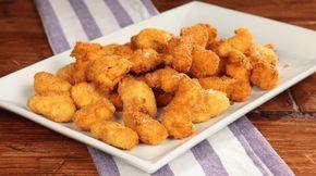 Ricetta Popcorn di pollo: I popcorn di pollo sono fatti per stupire, e che sorpresa! Basta poco per replicare in casa un vero street food che potrete sfoggiare in mille occasioni! Un buffet di compleanno, una cena tra amici, un pranzo informale: con i popcorn di pollo non sbagliate mai!