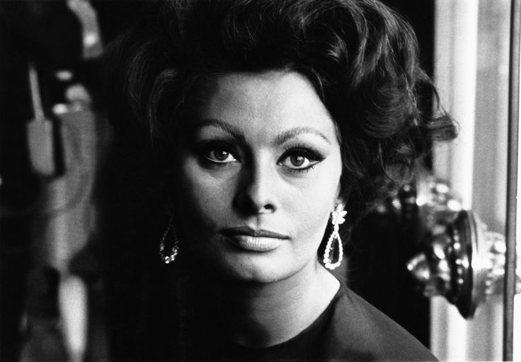 Why Snail Juice and Cream From the Local Farmacia Will Make You Look Like Sophia Loren  - ELLE.com