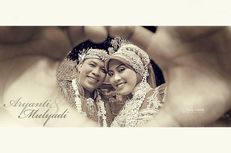 Foto Gaya dengan edit Klasik membuat senyum pasangan ini semakin terlihat romantis :D.  Phone: 0857 0111 1819 . YM & email: foto.ceria@yahoo.com . PIN BB: 2 5 B 3 E 6 8 7 . Facebook: Foto Ceria . LINE & Instagram: fotoceria . Twitter: @Foto Ceria . Website: www.fotoceria.com  . fotoceria prewedding couple wedding pernikahan perkawinan menikah pengantin foto fotografer weddingphotographer Yogyakarta Jogja love happy romantic smile ceria muslim jilbab hijab fotogaya klasik CeriaLovers…