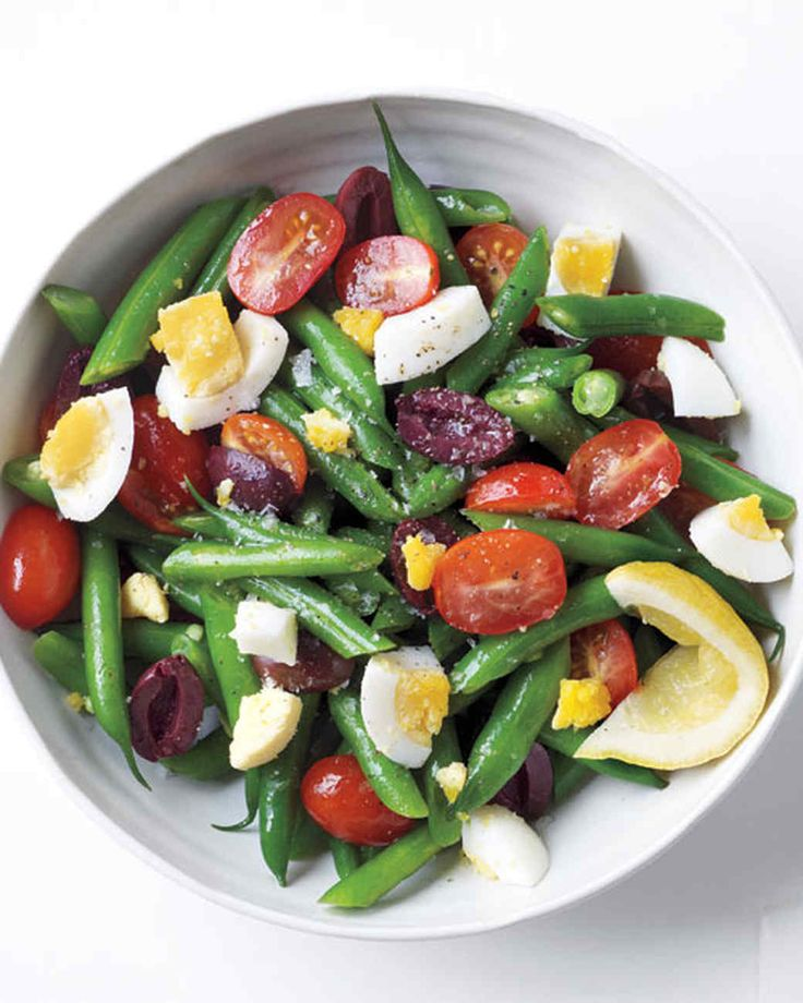 This is a colorful and healthy salad that pairs well with grilled salmon or poached chicken breasts.