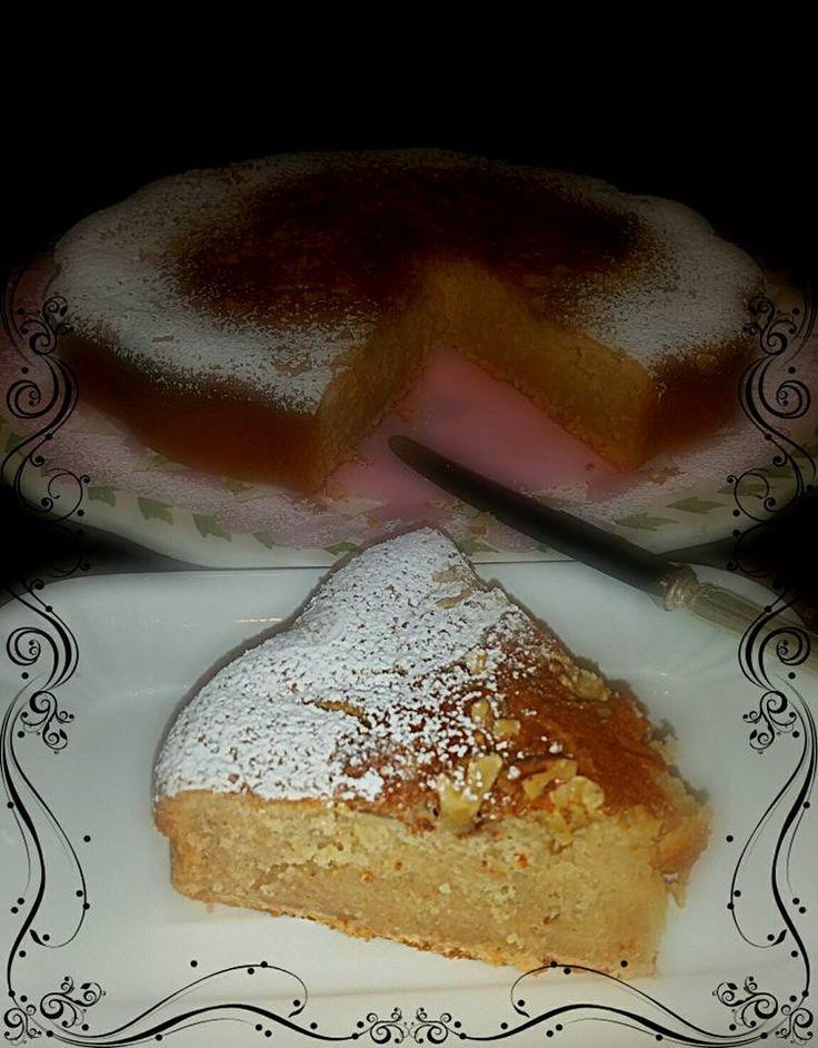 torta di mele cotogne con crosta di noci e spezie