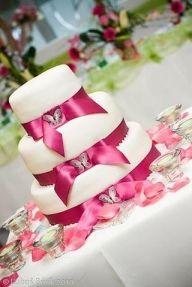 Tort weselny w kolorze fuksji - Torty i słodkości