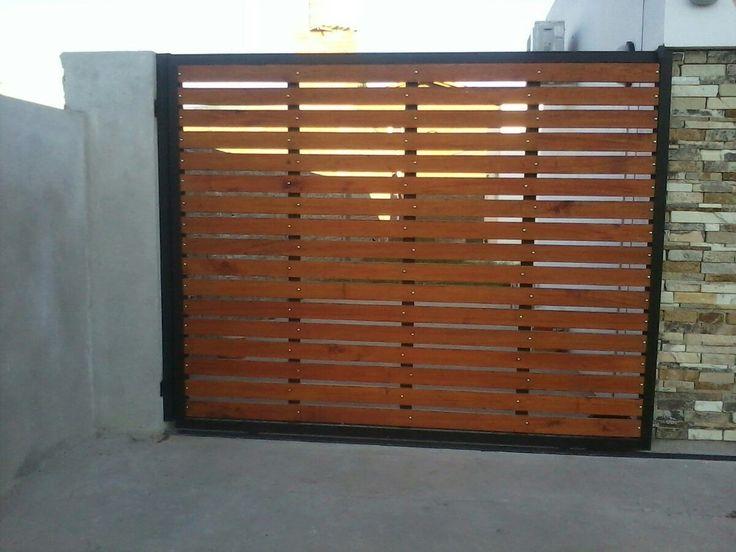 Portones de madera y hierro combinados buscar con google for Puertas para patios modelos