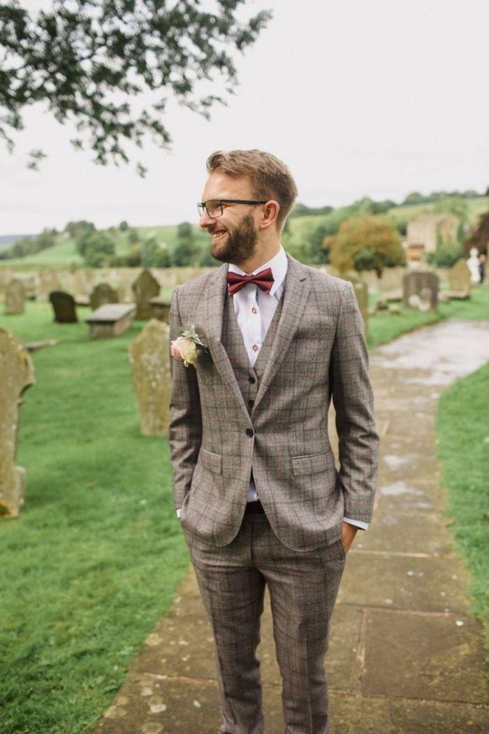 silhouette élégante en costume de marié en tweed à carreaux composé de  trois pièces e66aaa7258d