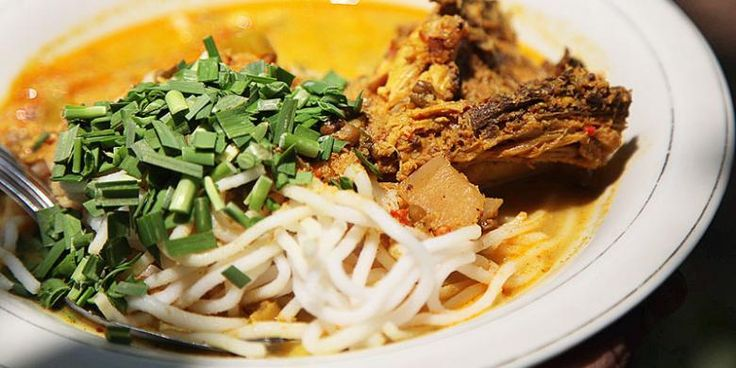 Laksa Tangerang juga merupakan salah satu makanan khas Indonesia dari Banten, cobain deh pasti nagih :D