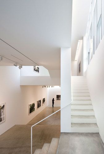 ONE O ONE architects — One & J gallery