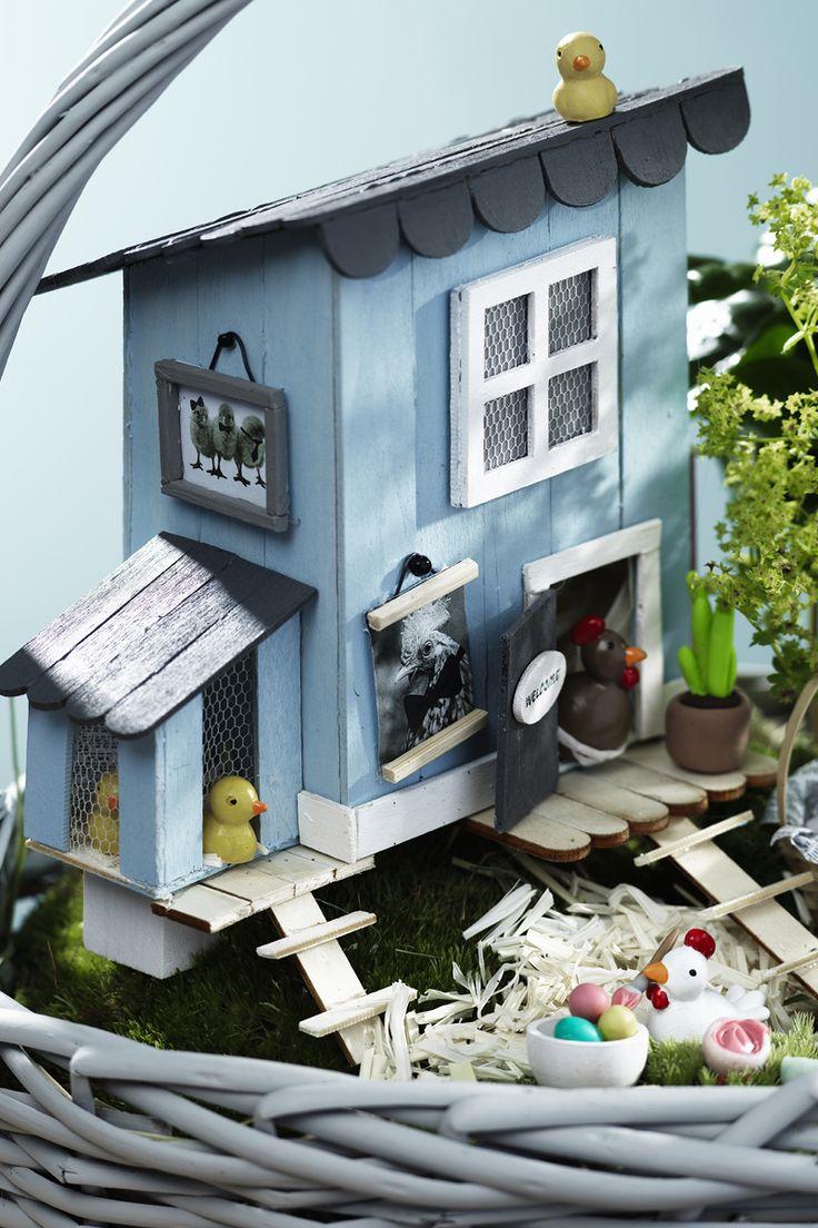 Hen house www.panduro.com #DIY #easter #miniature #glasspinnar #miniatyr #hönshus #pyssel #fairy garden