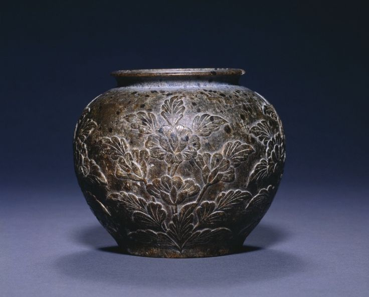 Jar with Floral Decoration, c. 700-750 China, Tang dynasty (618-906)
