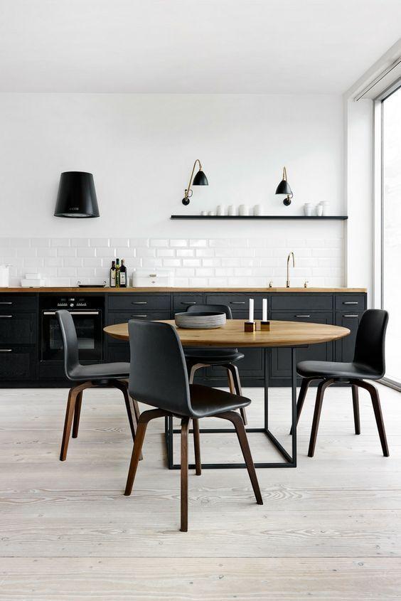 Schwarz und matt: Die schönsten Küchen-Ideen und Bilder
