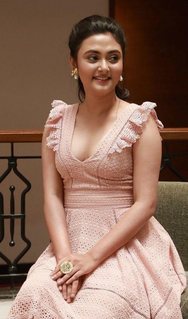 Megha Chaudhry Indian wedding album design, Wedding