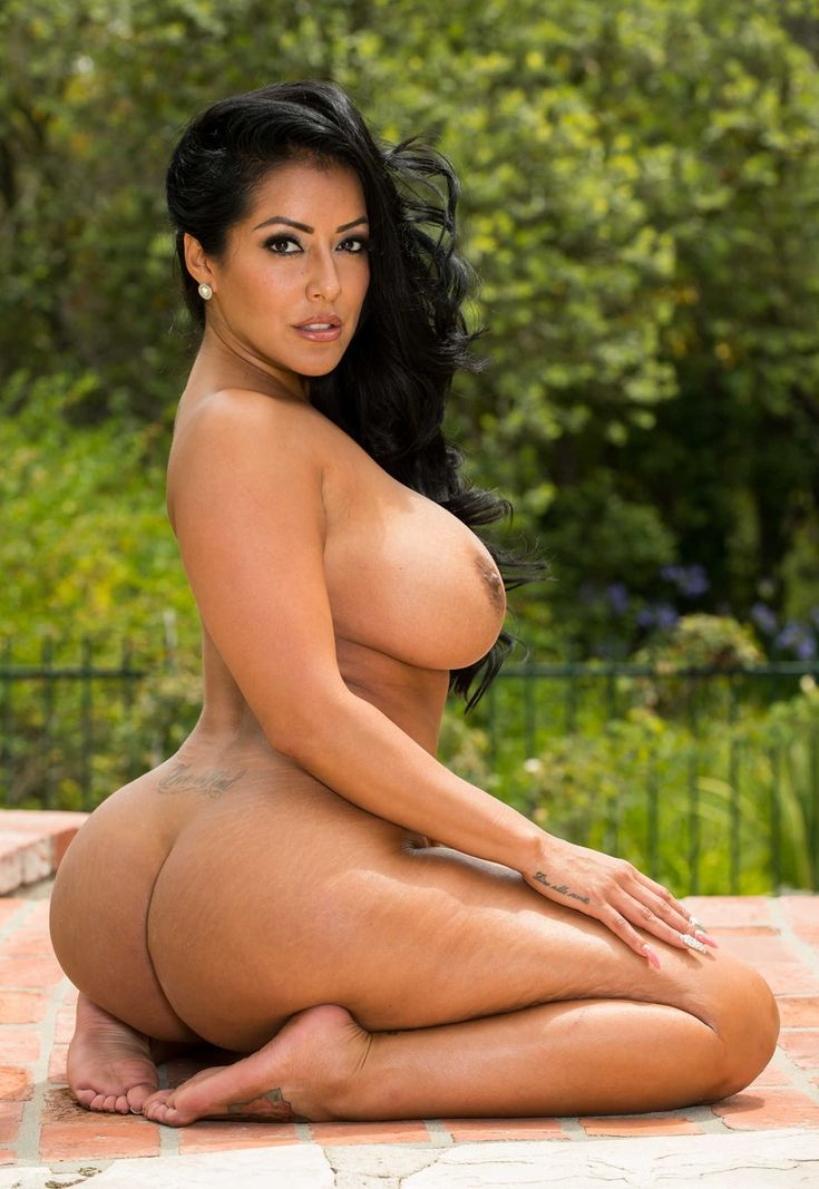 hot naked curvy latina women