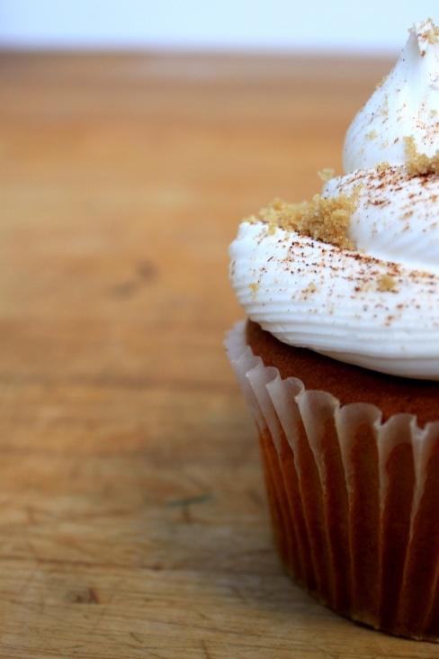 Peach cobbler cupcakes | Cupcakes | Pinterest