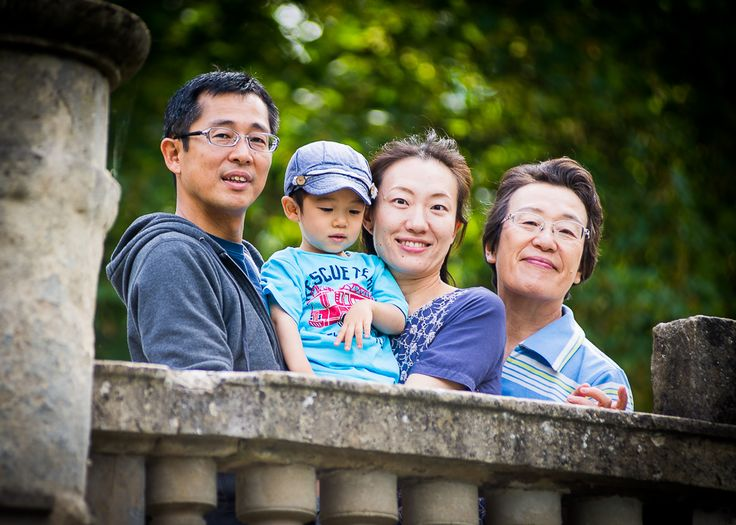 Family photography at pittville park cheltenham