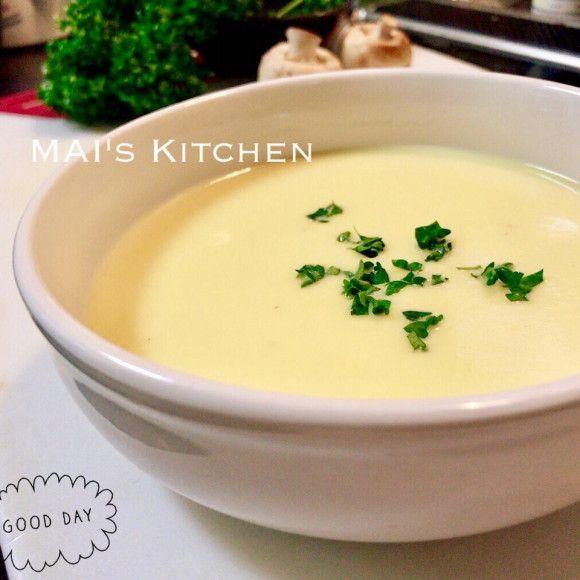 おいしいスープ、飲んでますか?染み渡る優しさいっぱいのじゃがいもポタージュ、朝に飲めば1日優しい気持ちで過ごせそうですよね。今回は、そんなじゃがいもポタージュの作り方とアレンジレシピ5選をご紹介します。道具別の作り方も、ぜひご覧ください! (2ページ目)
