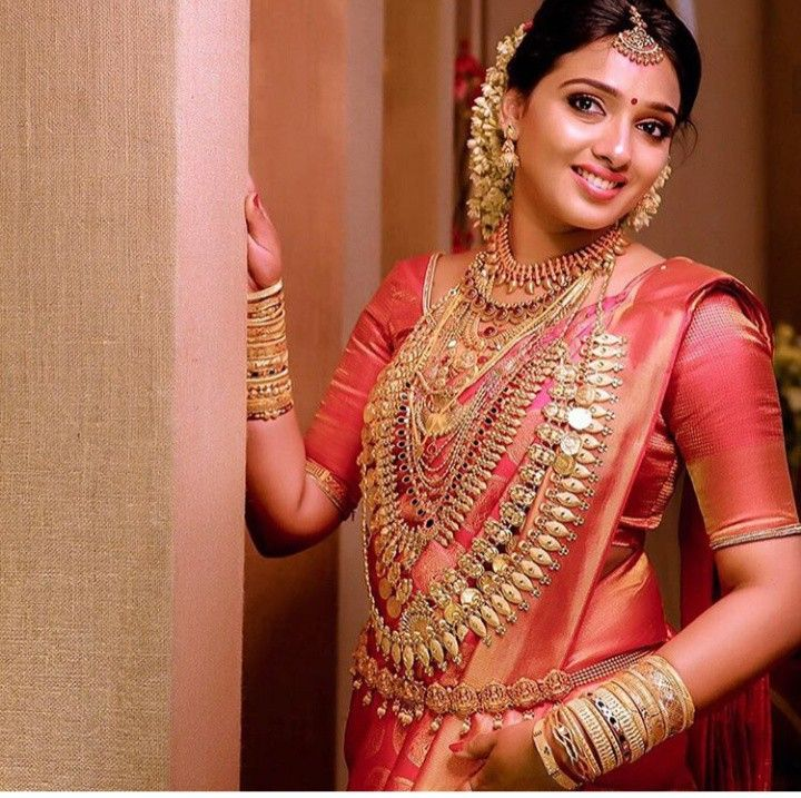 Pin By Angie Dominguez On South Indian With Images Kerala Bride Indian Bridal Bride Beauty