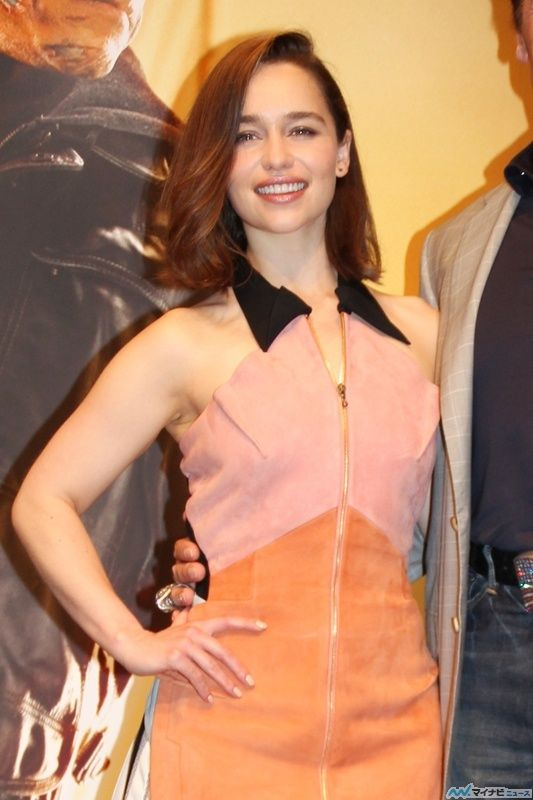 July 05: Terminator Genisys Tokyo Photocall - 0705 tgtokyophotocall 0003 - Adoring Emilia Clarke - The Photo Gallery