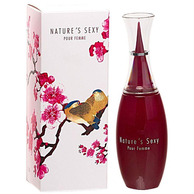 La fleur de cerisier associée à une note orientale pour un parfum gourmand et sensuel.