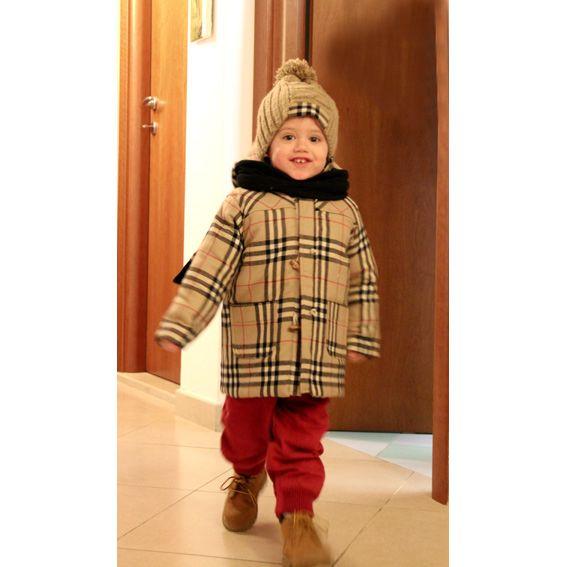cappottino  burberry con cappellino in lana con inserto della stessa fantasia