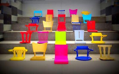 designblok design Maxim Velčovský chair Ton realization Sipral colors blue red pink yellow