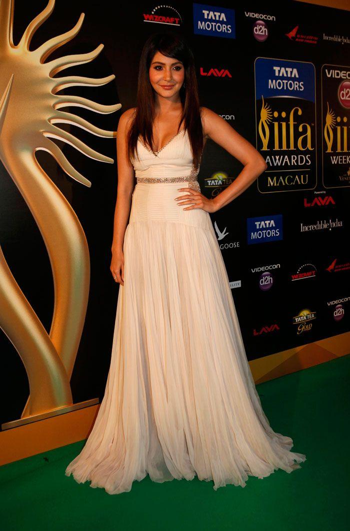Anushka Sharma at IIF Awards 2013