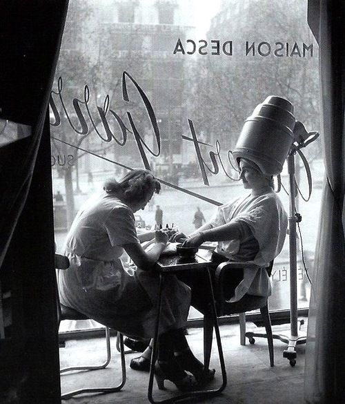 'The Hairdresser' - Photo by Robert Doisneau, Paris, 1950.