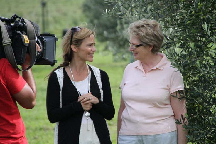 Following the route of gourmet event, the Great Alpine Roast, we were fortunate to meet the gorgeous Annie Paterson of Nullamunjie Olive Oil. Her grove, situated in the beautiful Tongio region, is home to 2,500 olive trees and being a true single estate oil it is grown, pressed and bottled all on site. The area has been in her family since the 1800's and so holds a very special place in her heart. Series 4, Places We Go