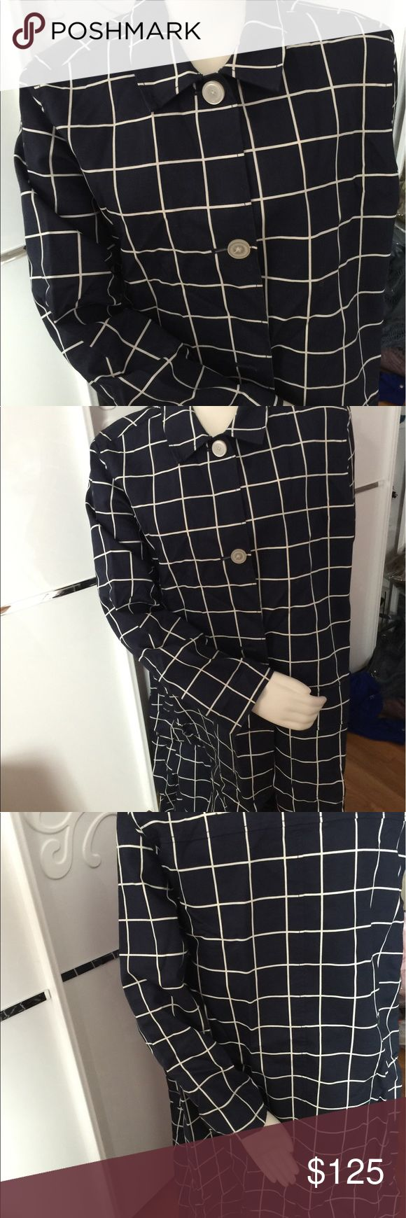 WOMEN RAIN COAT LizClaiborne Newyork SizeL/G SPORT RAIN COAT BEAUTIFUL!WOMEN RAIN COAT LizClaiborne Newyork SizeL/G Made in China I Like it But its to big for me so I want to sell it. Without tag its NEW LizClaiborne Jackets & Coats