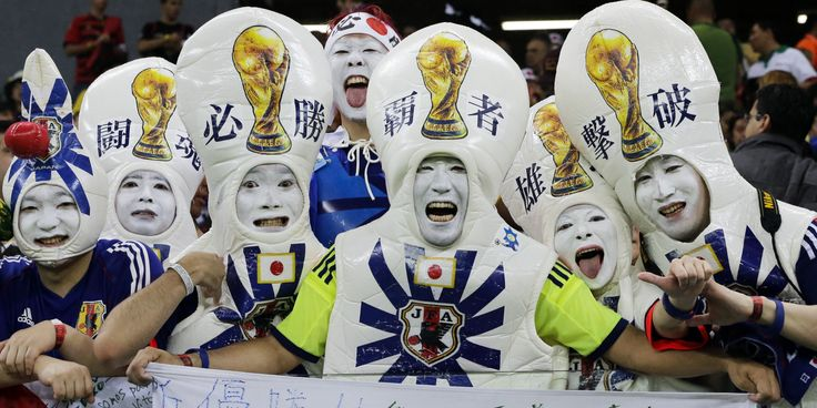 Not even sure what's going on in this picture, but that is some team spirit right there. #JapanSoccer