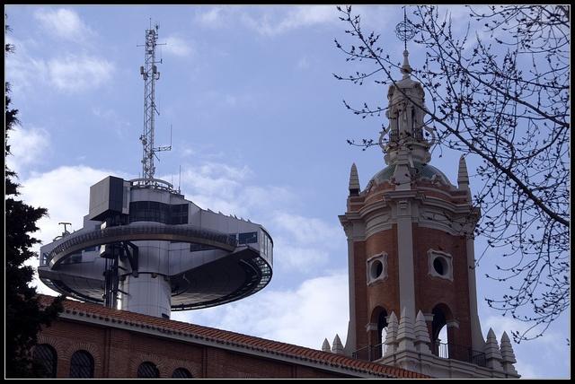 Faro y torre MA
