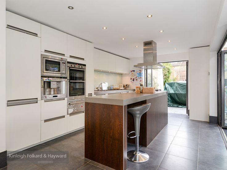 #breakfastbar #kitchen #whitegood #skylight #kfh