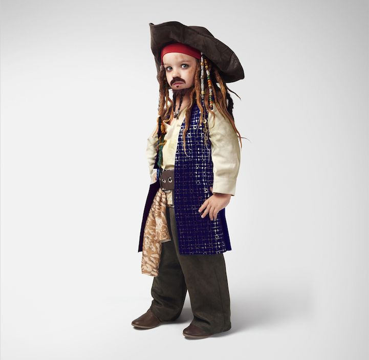 Each portrait is instantly recognizable as the kid version of many of the adult movie characters whom we have grown to love, including Jack Sparrow, Cruella de Vil, Avatar's Neytiri, and Edward Scissorhands. The costumes are super detailed and accurate and the kids are great at getting into character!