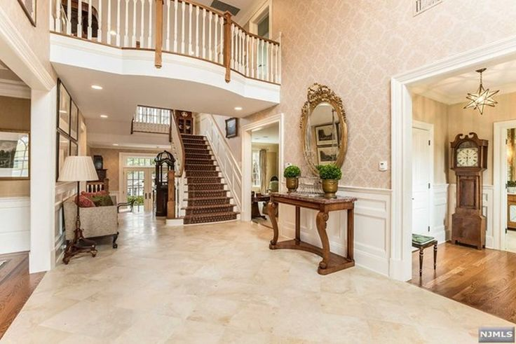 View 25 photos of this $2,695,000, 5 bed, 7.0 bath, 56192 sqft single family home located at 316 Sleepy Hollow Ln, Franklin Lakes, NJ 07417 built in 2007. MLS # 1741163.