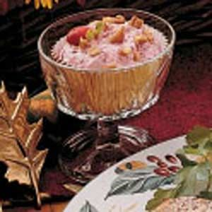 Frozen Cranberry Salad...more like a dessert and soooo goodFruit Salad, Cranberries Pineapple, Salad Recipes, Cranberries Bananas, Frozen Desserts, Frozen Cranberries, Frozen Recipe, Healthy Frozen, Cranberries Salad Mor
